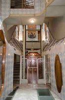 13-barcelona-gaudi-casa-batllo-interior-vestibulo-ascensor